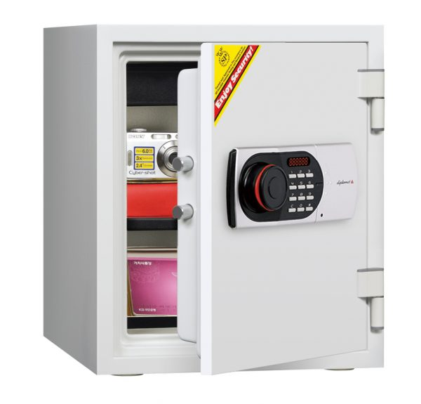 Diplomat 125EN Fire and water Resistant Safes