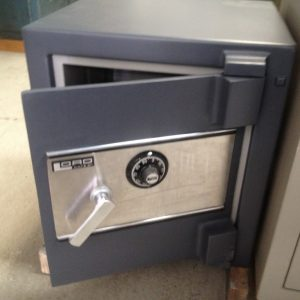 lord-reconditioned-heavy-duty-safe