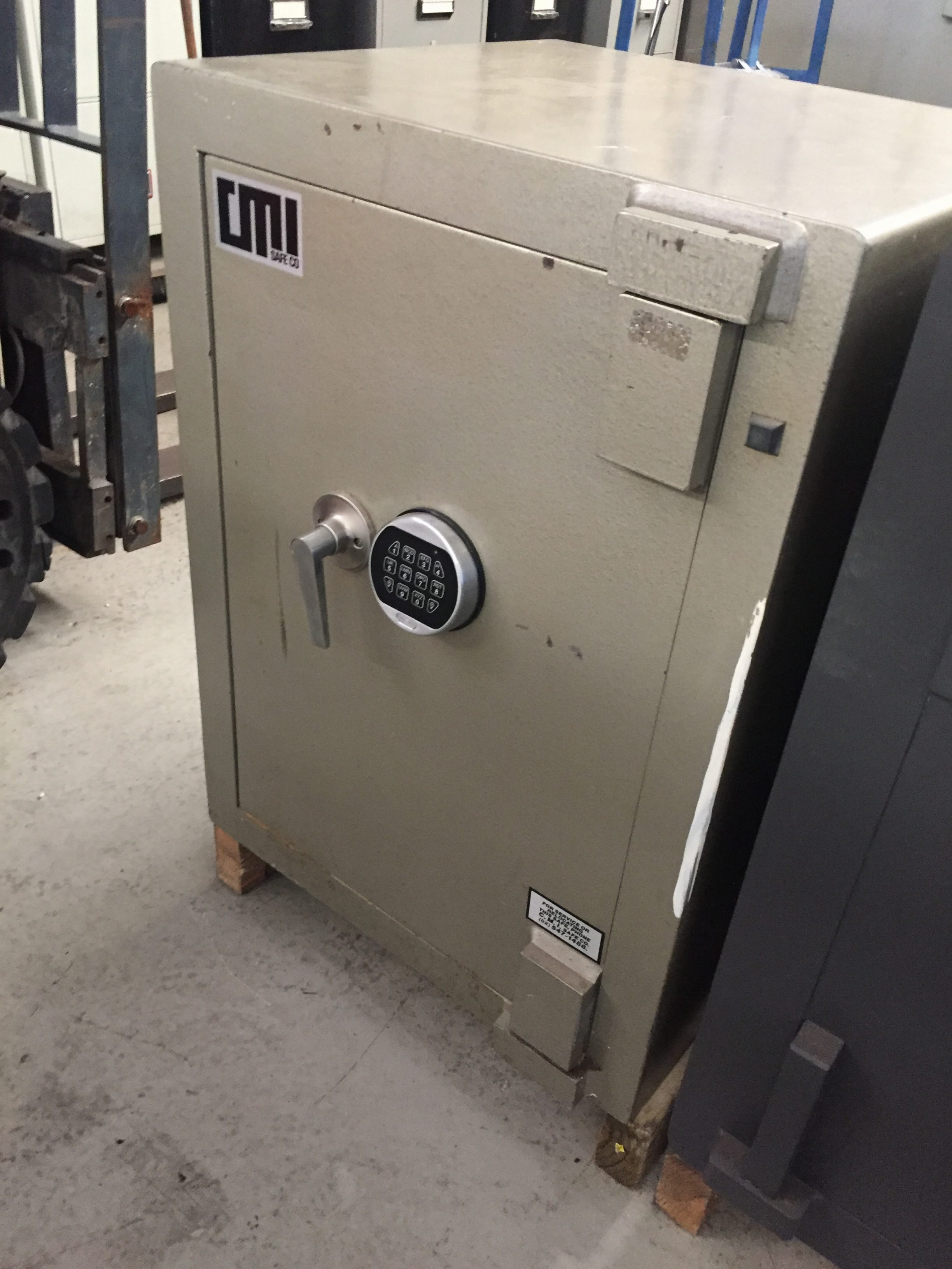 USED CMI COMMERCIAL SAFE
