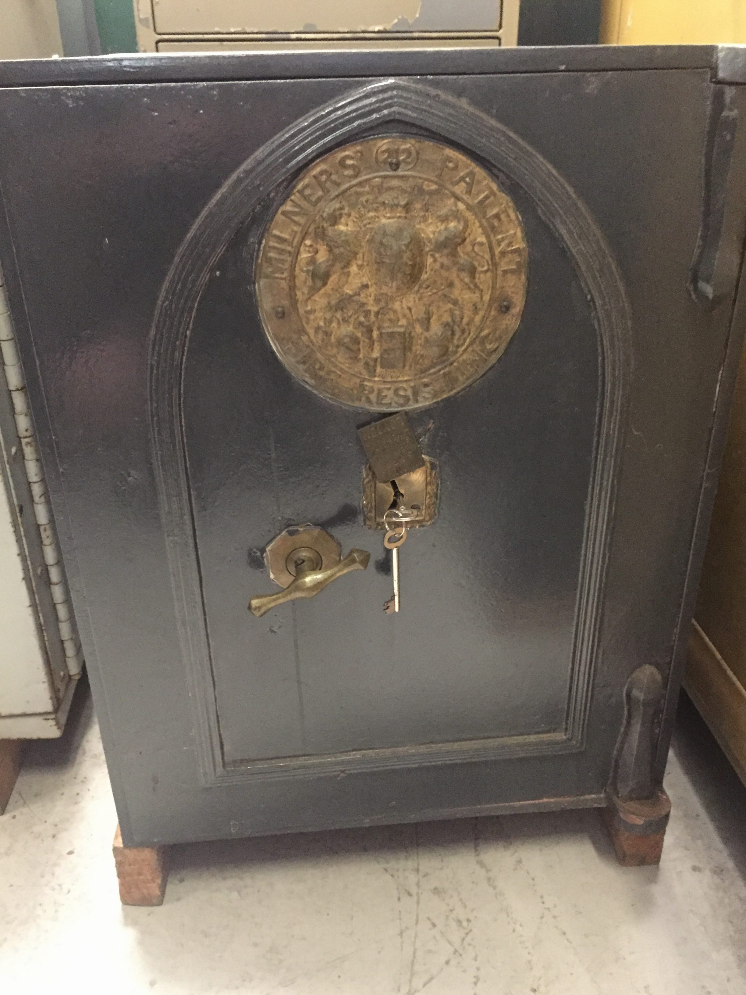 MILNERS ANTIQUE SAFE