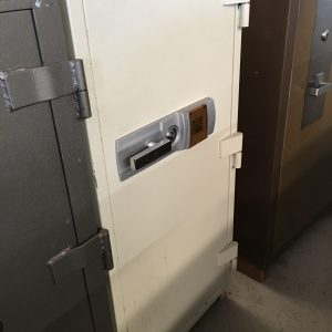 Defiance 2 hour fire and theft resistant safe