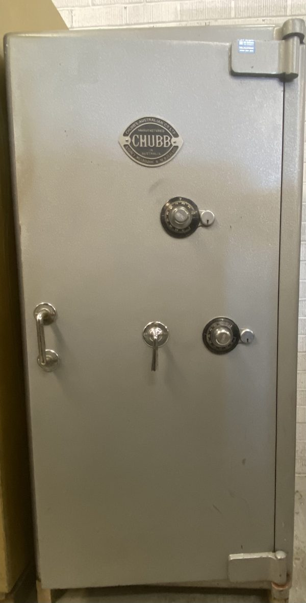 Vintage Chubb standard heavy duty safe